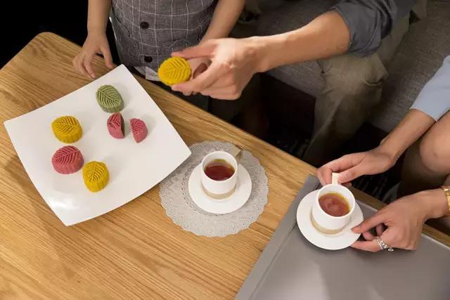 携手广派糕点,小罐茶打造幸福中秋